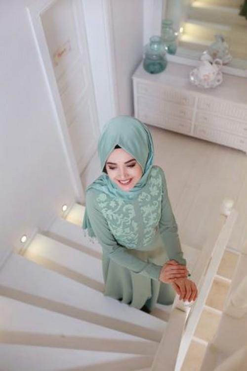 Gamze Özkul Deri Detaylı Elbise Yeşil